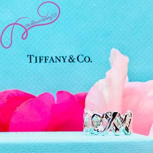 Tiffany & Co. Paloma Picasso XO Love & Kisses Ring